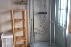 två duschar på Pelle Åbersgården i Höga Kusten